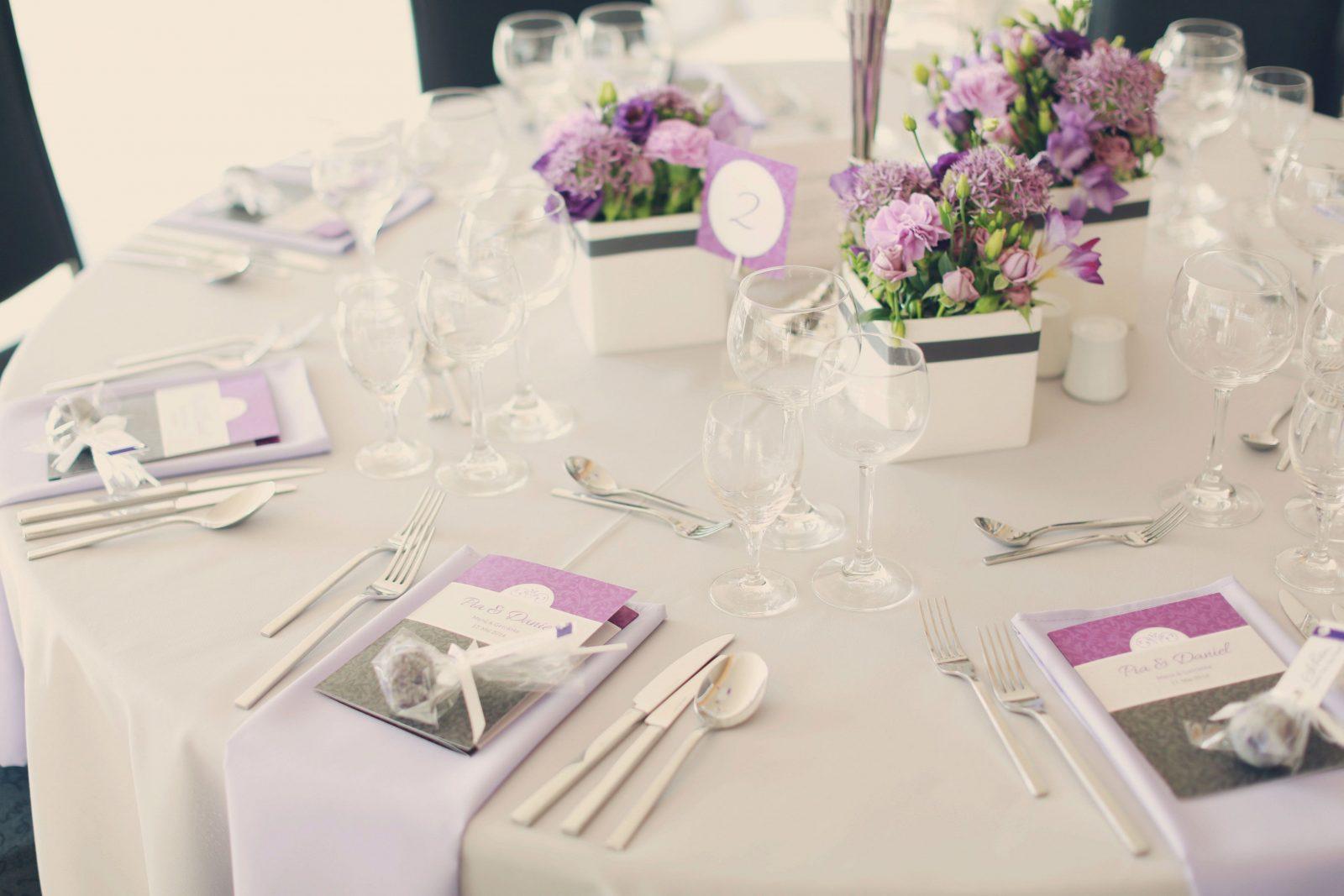 Tischdeko Lila Weiss Hochzeit Hochzeitsdeko Tips Seite 3 Von 19
