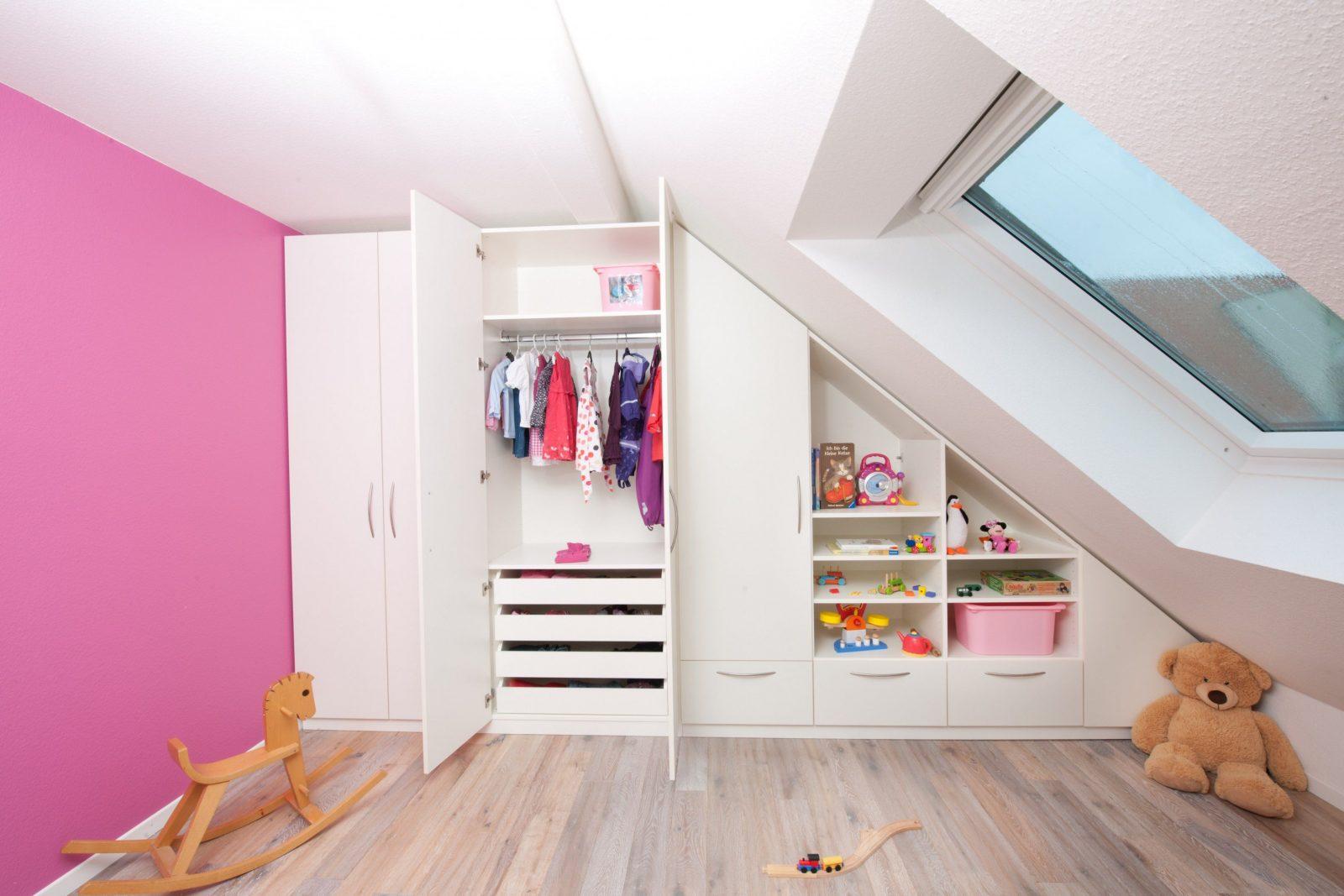 Kleine Kche Dachschrge Awesome Wohnkultur Grau Schlafzimmer von Kleines Kinderzimmer Mit