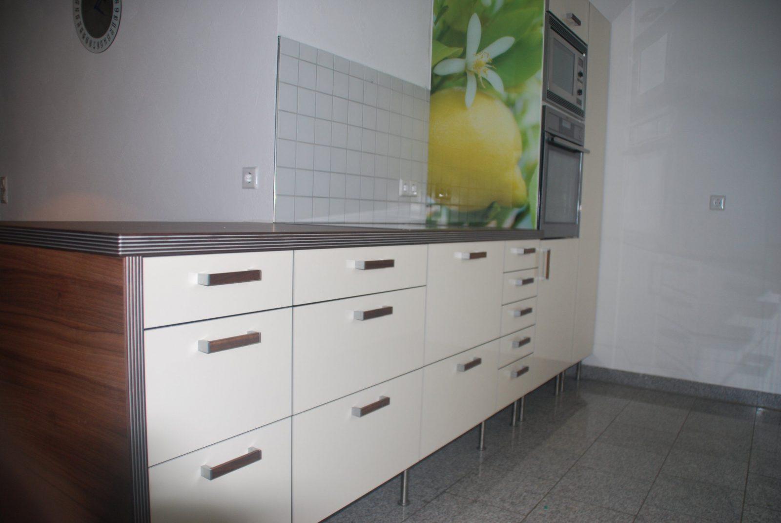 Ikea Weiß Hochglanz Küche   Badezimmer Aufteilung ...