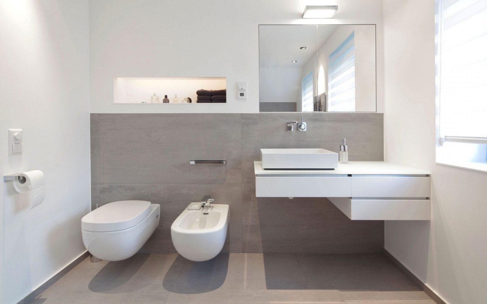 Badezimmer Fliesen Braun Weiß