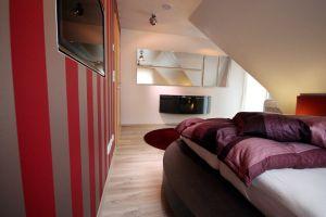 Schlafzimmer Dachschrage Farblich Gestalten Mit Wohnidee von Schlafzimmer Dachschräge Farblich ...