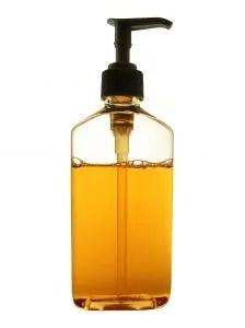 Seife hilft als einfaches Flöhe Hausmittel gegen Flohbefall bei Mensch und Tier
