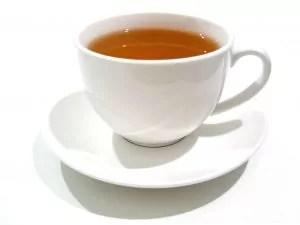 Schwarzer Tee bekämpft Flöhe