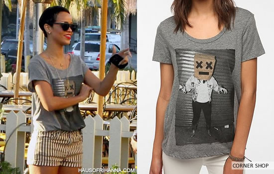 Rihanna In Corner Shop Bag Lady Boyfriend T-Shirt
