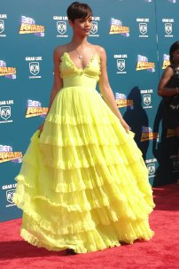 Rihanna wore Giambattista Valli Spring 2008 dress to the 2008 Bet Awards