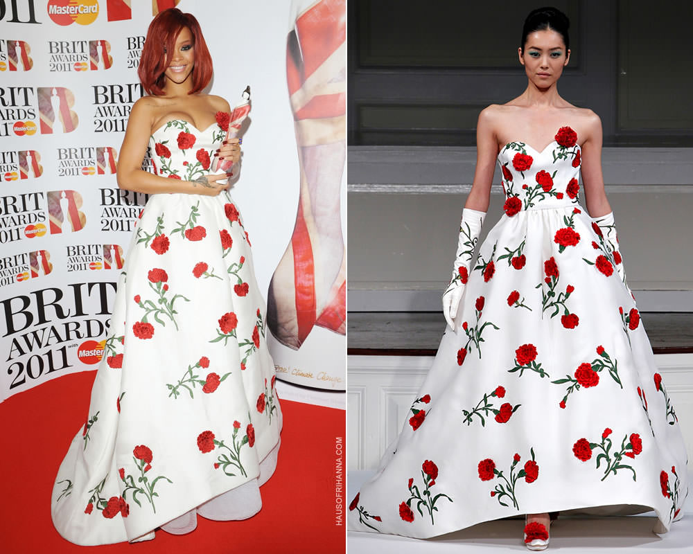 b7c3ab845f03 In 2011 Rih won the award for Best International Female Solo Artist and she  accepted her award and also posed in the press room in a dress from Oscar  de la ...