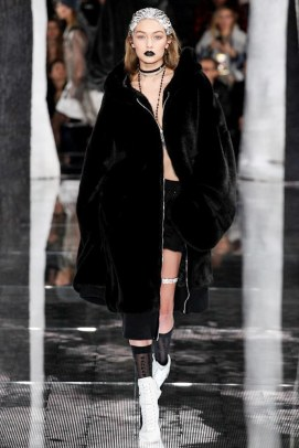 Fenty x Puma Fall 2016 - Look 43