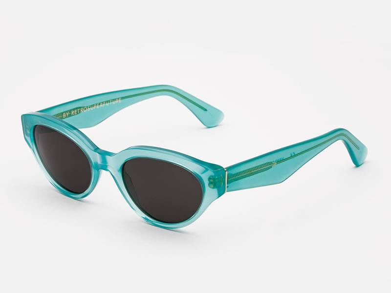 2501ddd2f250 Update  Rihanna s sunglasses are Super s Drew shades in turquoise. The Drew  features translucent frames