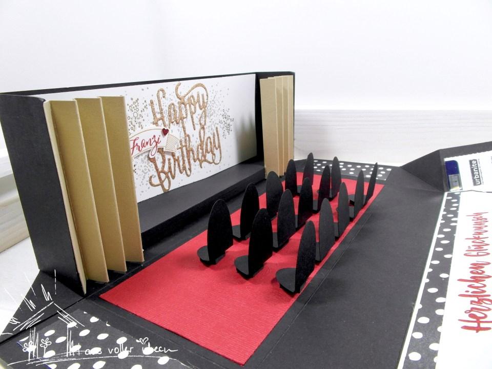 Verpackung als Theater gestaltet - Eintrittskarten zum Geburtstag
