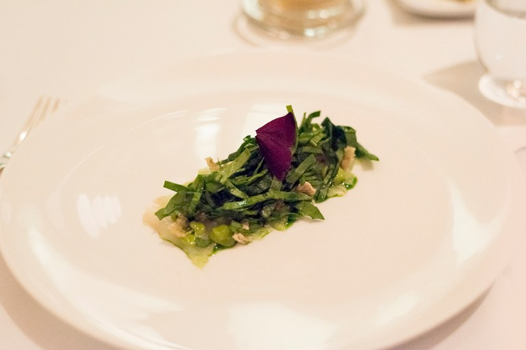 Pike-perch/sea bass with sorrel, spinach and ramson - Sasu Laukkonen