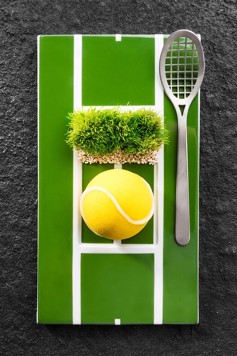 First serve/battuta d'inizio by Davide Oldani. Photo:  Brambilla Serrani