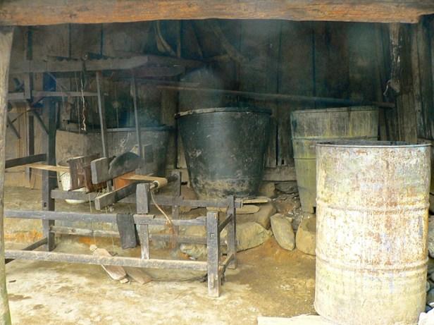 Indigo dye baths