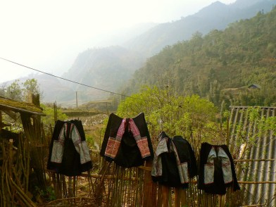 traditional black hmong clothes