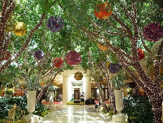 Haute Top 5 The Coolest Hotel Lobbies in Las Vegas in 2017