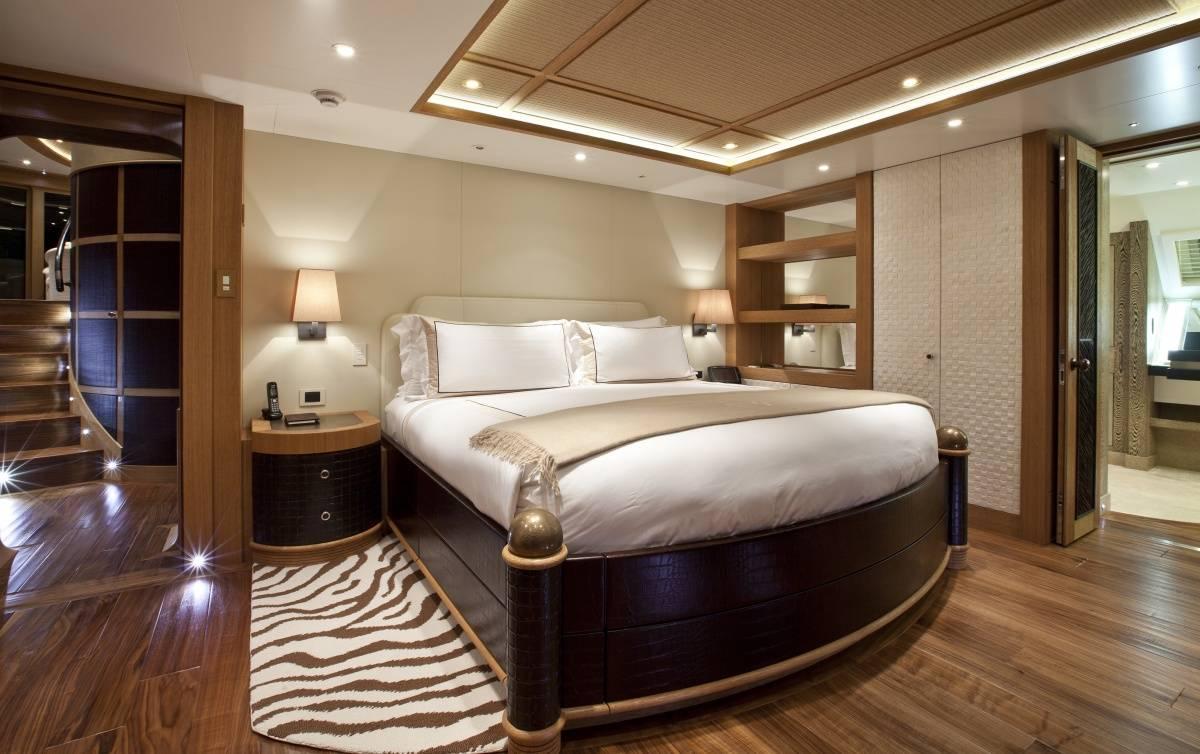 The Worlds Largest Catamaran Burgess Yachts Hemisphere