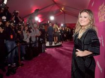 Honoree Kelly Clarkson