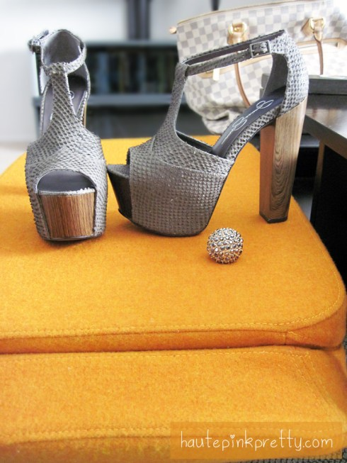 Jessica Simpson Grey Dany, JC Penney Dome Ring, Louis Vuitton Saleya Gm