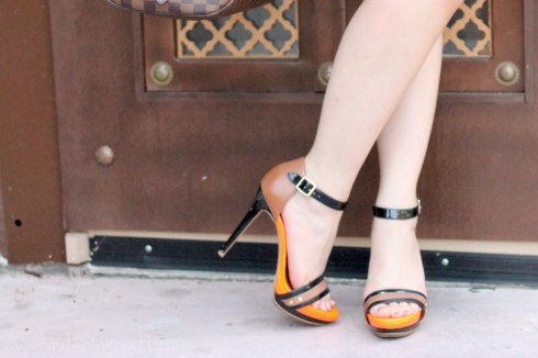 An Dyer wearing Sole Society Val Platform Sandals