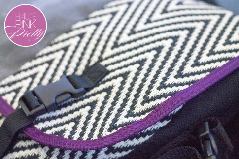 An Dyer HautePinkPretty Custom Designed Timbuk2 Messenger Laptop Bag - Chevron
