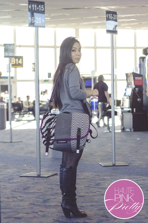 An Dyer wearing Timbuk2 Custom Messenger Laptop Bag, Sole Society Rumer Boots