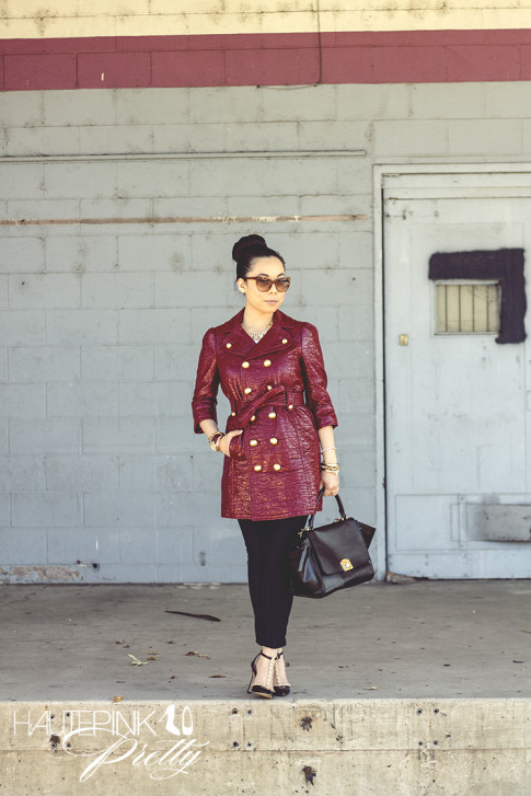 An Dyer wearing Juicy Couture Well Coiffed Belted Trench Coat, Michael Stars Tee, Bleulab Jeans, Elizabeth & James Lafayette Sunglasses, Cuore & Pelle Caterina Trapeze Bag, Sole Society Margie pump
