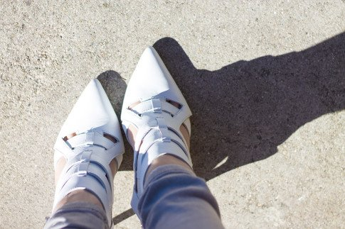 An Dyer wearing ShoeMint Garbo White