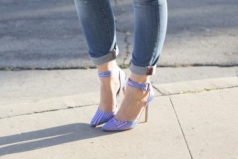 An Dyer wearing ShoeDazzle Cindy, Rich & Skinny Ankle Peg Jeans