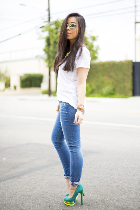 An Dyer wearing ShoeDazzle Jaleen Green, Rich & Skinny Clinton Ankle Peg Jeans,  La mer Collections Watch, Mirrored Sunglasses, Michael Stars White Tee