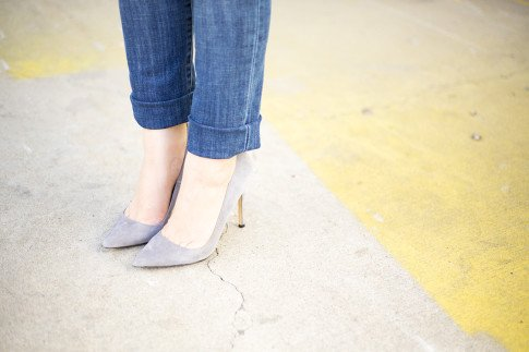 An Dyer wearing ShoeMint Bess Suede Pointy Pump in Grey