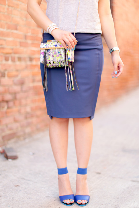 An Dyer wearing The One by Cotton On Tee, Katherine Kwei Fringe Crossbody, Chaiken Skirt, ShoeDazzle Kaleen Blue Sandals