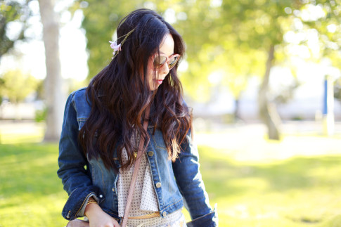 An Dyer wearing Celine Audrey Sunglasses with Pink Flower Hair Chain