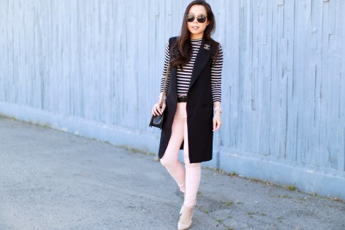 An Dyer wearing Long Vest Blazer Sleevelss Coat Chanel Brooch Stripe Shirt Pink Jeans