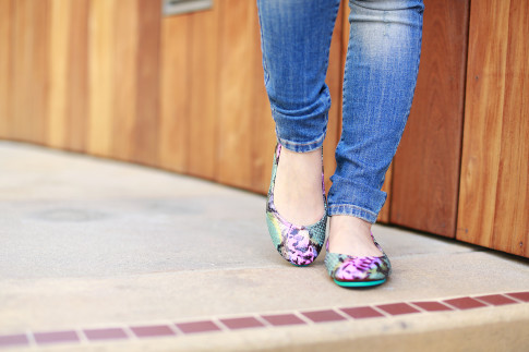 An Dyer wearing Electric Snake Tieks