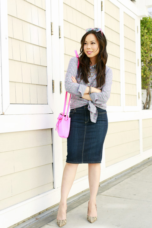 An Dyer wearing Splendid Shoreside Dot Shirt, CJ By Cookie Johnson Denim Skirt, Schaffer LA Pink Mini Bucket Bag with ShoeDazzle Farrah Snakeprint Pumps