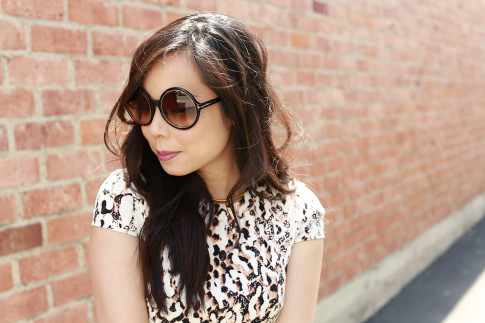 An Dyer wearing Tom Ford Carrie Sunglasses
