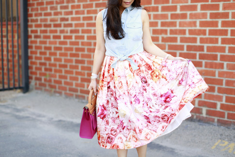 An Dyer wearing Sleeveless Denim Tie Knot Top with Pink Ombre Floral Midi Skirt