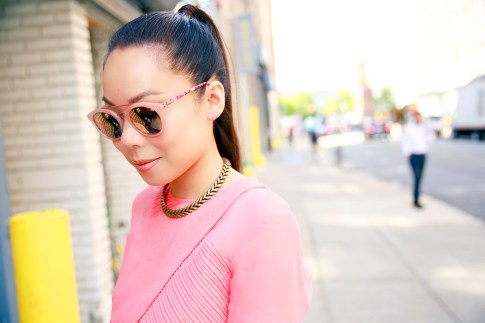 An Dyer wearing Guess Kara Sunglasses in Pink