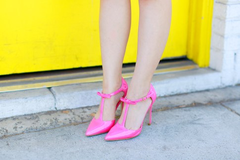 An Dyer wearing ShoeDazzle Simone Hot Pink TStrap Pumps