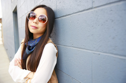 An Dyer wearing Forever 21 inspired Chloe Wire Rim Round Sunglasses