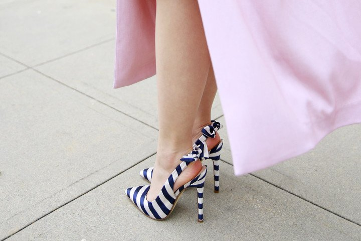 An Dyer wearing ShoeDazzle Lynden Navy Strip Bow Pump Slingback