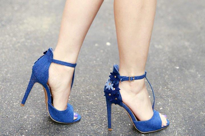 ShoeDazzle Floral Denim T Strap Sandals