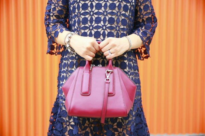 an-dyer-carrying-flynn-heidi-handbag