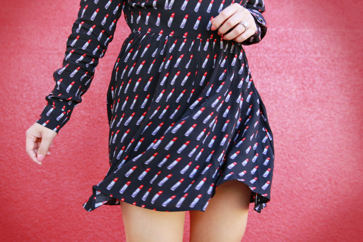blogger-twirling-in-forever-21-lipstick-dress