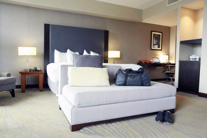 hyatt-la-jolla-studio-suite-bed