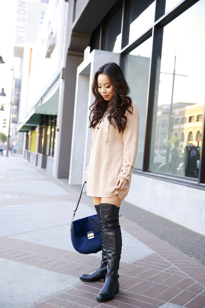 an-dyer-wearing-chicwish-chunky-sweater-dress-with-flat-otk-boots-la-canadienne