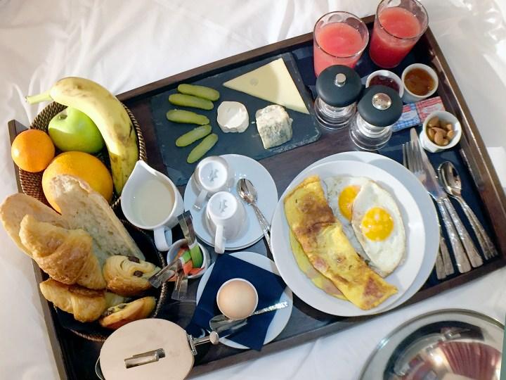 room-service-beakfast