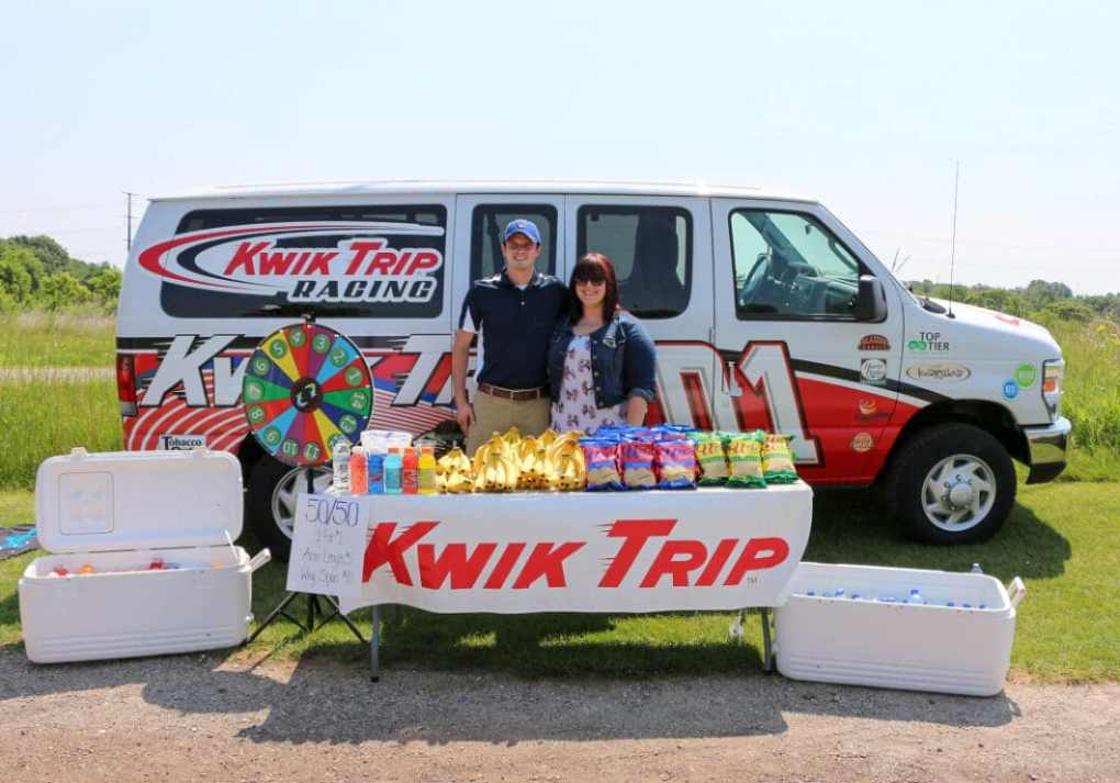 Thank you to Golfing for Veterans sponsor, Kwik Trip, for their wonderful refreshment stand!