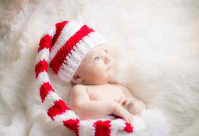 henry christmas newborn photos