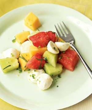 melon-mozzarella-salad_300