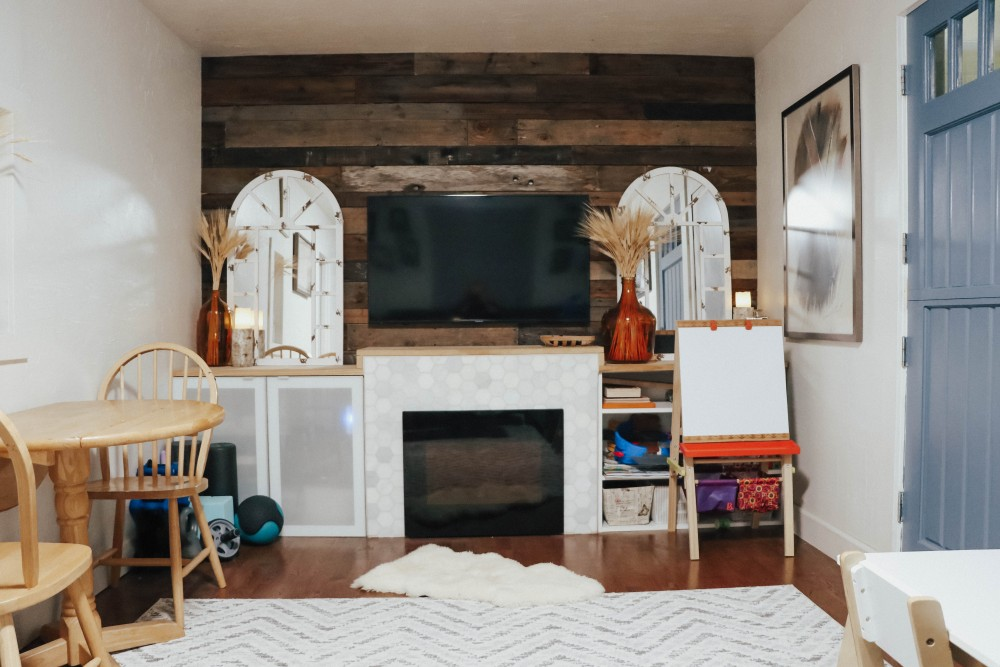 Sharing my 6 tips on how to brighten a dark room on the blog! Head to the post to check them out. #homedecor #homedecortips #smallspaces #smallhome